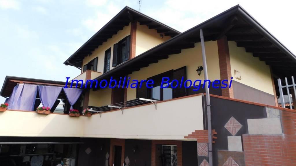 Villa in vendita a Somma Lombardo, 3 locali, prezzo € 299.000 | CambioCasa.it