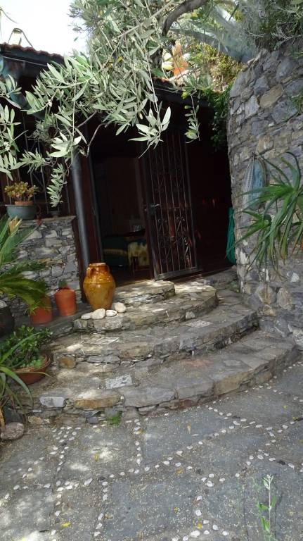 Appartamento in buone condizioni arredato in affitto Rif. 8607170