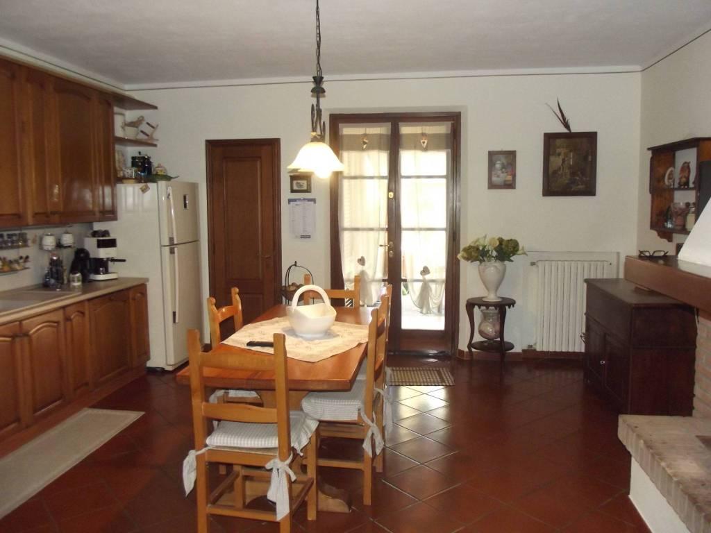 Appartamento in Vendita a Castelfranco Di Sotto Periferia: 5 locali, 232 mq