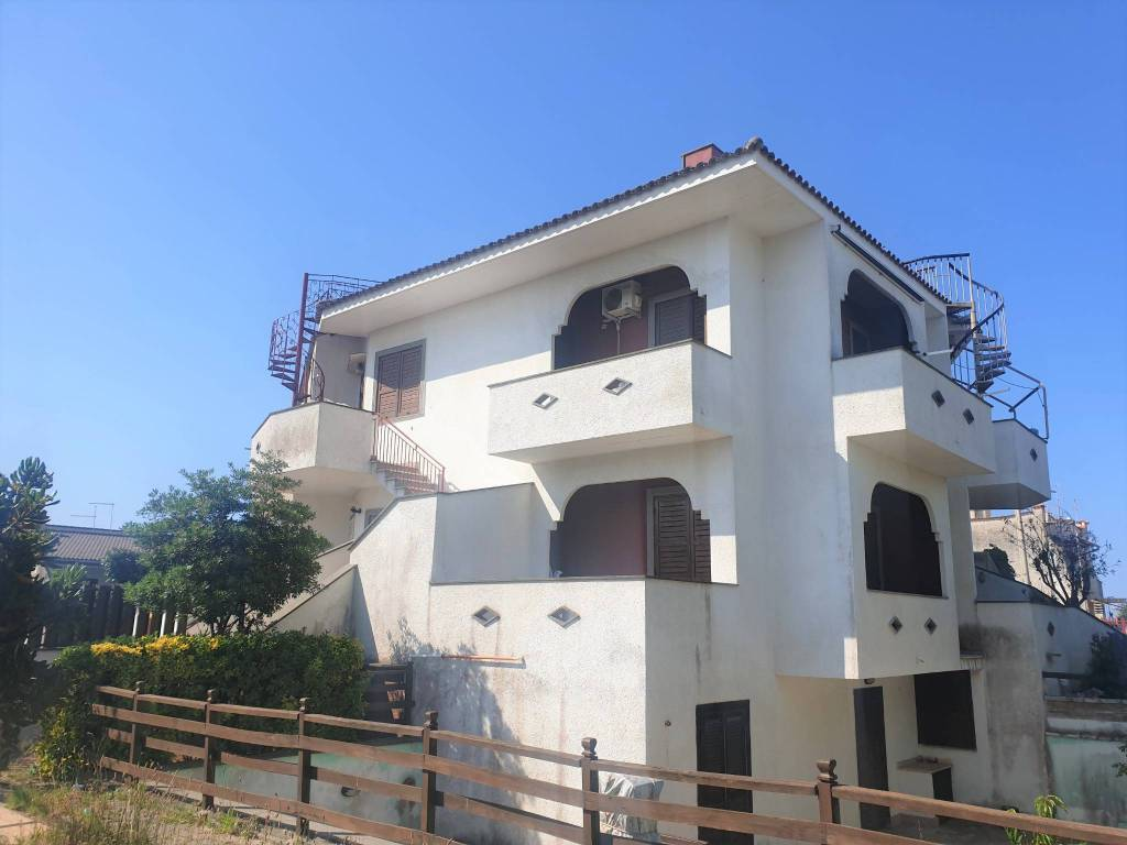 Appartamento in vendita a Ardea, 3 locali, prezzo € 85.000   PortaleAgenzieImmobiliari.it