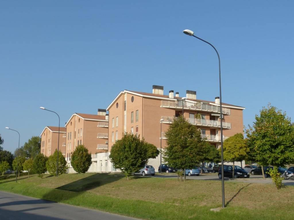Appartamento in buone condizioni in vendita Rif. 9176247