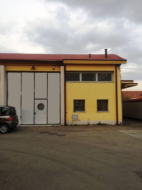 Capannone in Vendita a Anzola Dell'Emilia Periferia: 4 locali, 200 mq