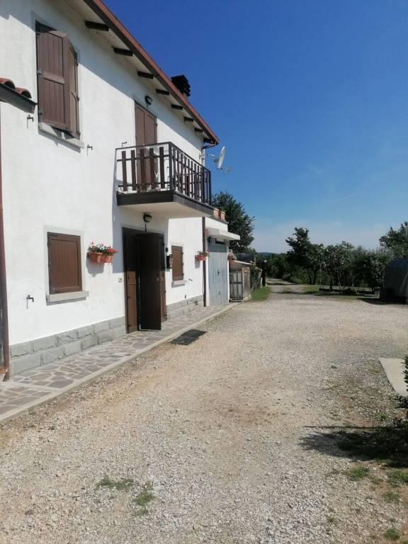 Appartamento in vendita a Vergato, 7 locali, prezzo € 105.000 | CambioCasa.it