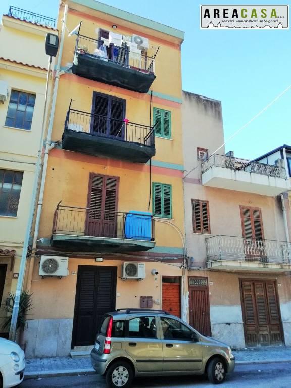 Appartamento da ristrutturare in vendita Rif. 9290109