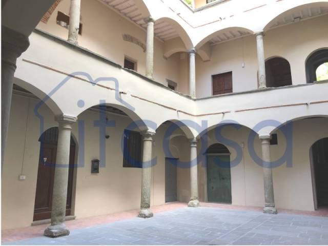 Appartamento in ottime condizioni parzialmente arredato in vendita Rif. 4854764