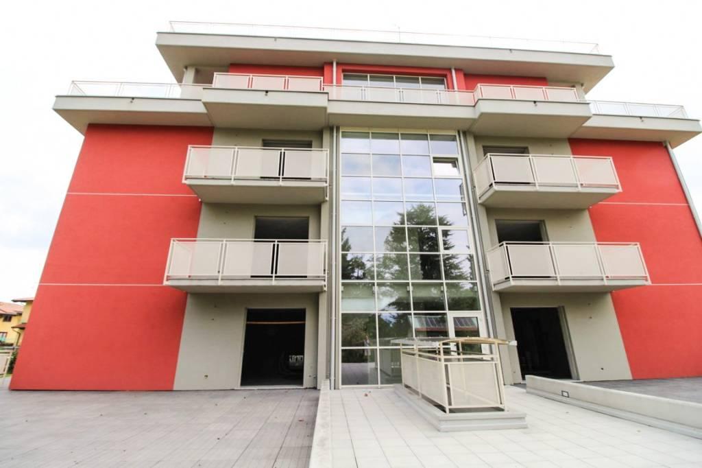 Appartamento in vendita a Fino Mornasco, 3 locali, prezzo € 220.000 | PortaleAgenzieImmobiliari.it