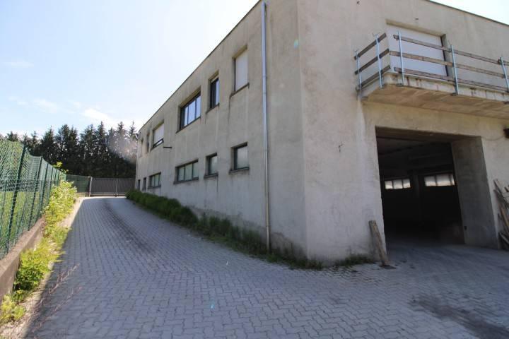 Capannone in vendita a Valmorea, 3 locali, prezzo € 450.000 | CambioCasa.it