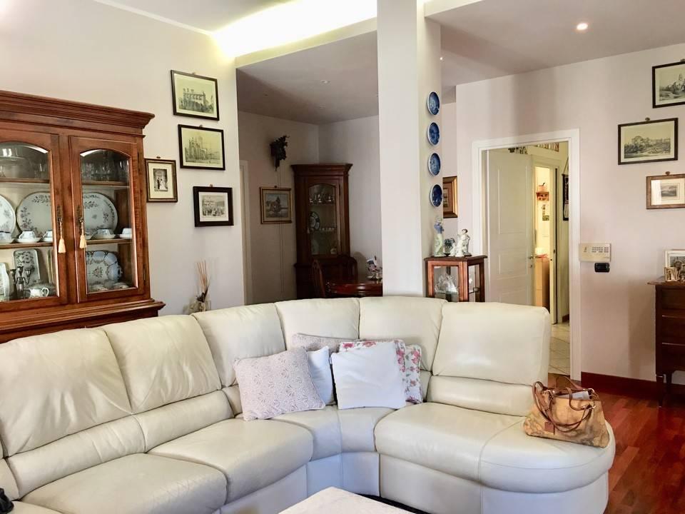 Appartamento in Vendita a Piacenza: 5 locali, 176 mq