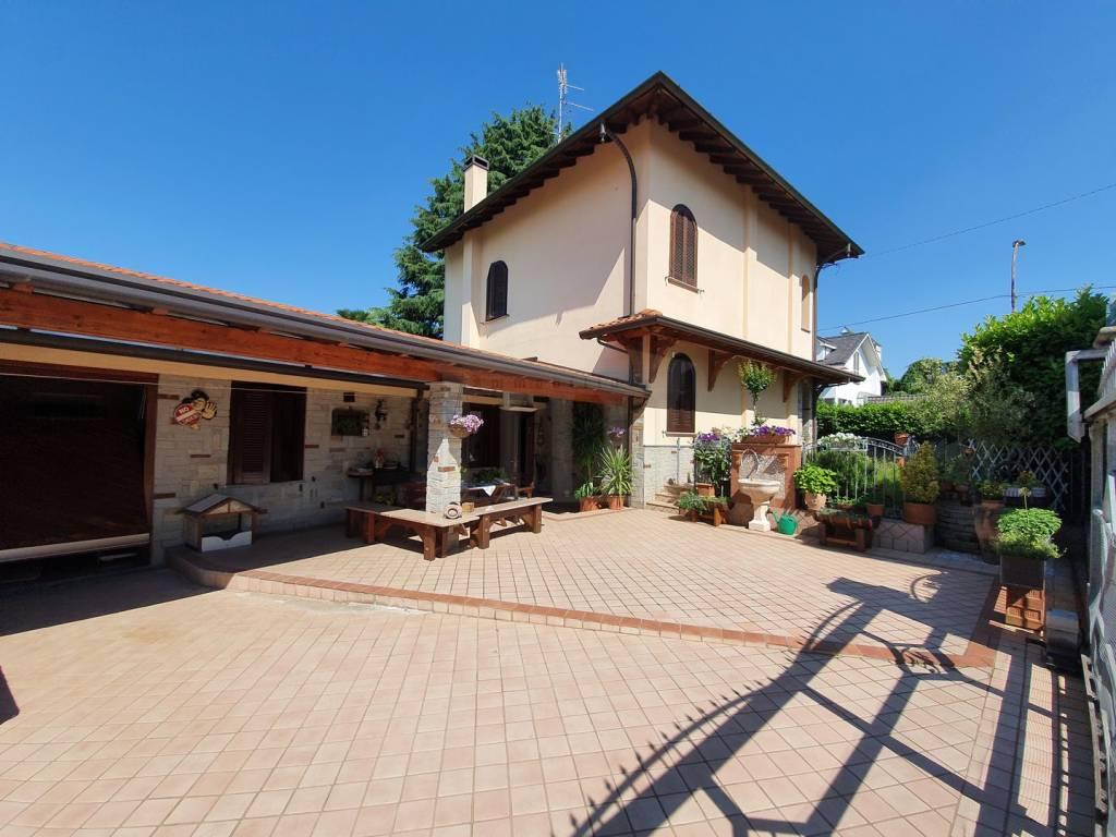Villa in vendita a Samarate, 6 locali, prezzo € 330.000 | PortaleAgenzieImmobiliari.it