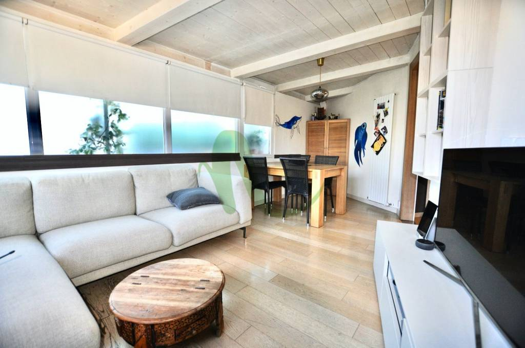 Appartamento in Vendita a Cesenatico Centro: 5 locali, 110 mq