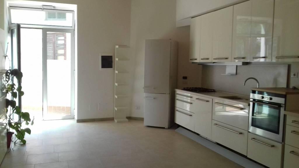 Appartamento in ottime condizioni arredato in affitto Rif. 7736630