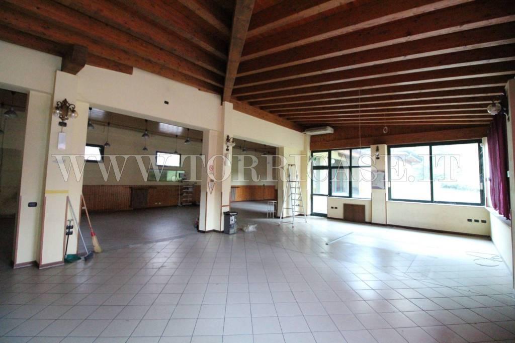 Negozio / Locale in vendita a Cene, 6 locali, prezzo € 300.000   PortaleAgenzieImmobiliari.it