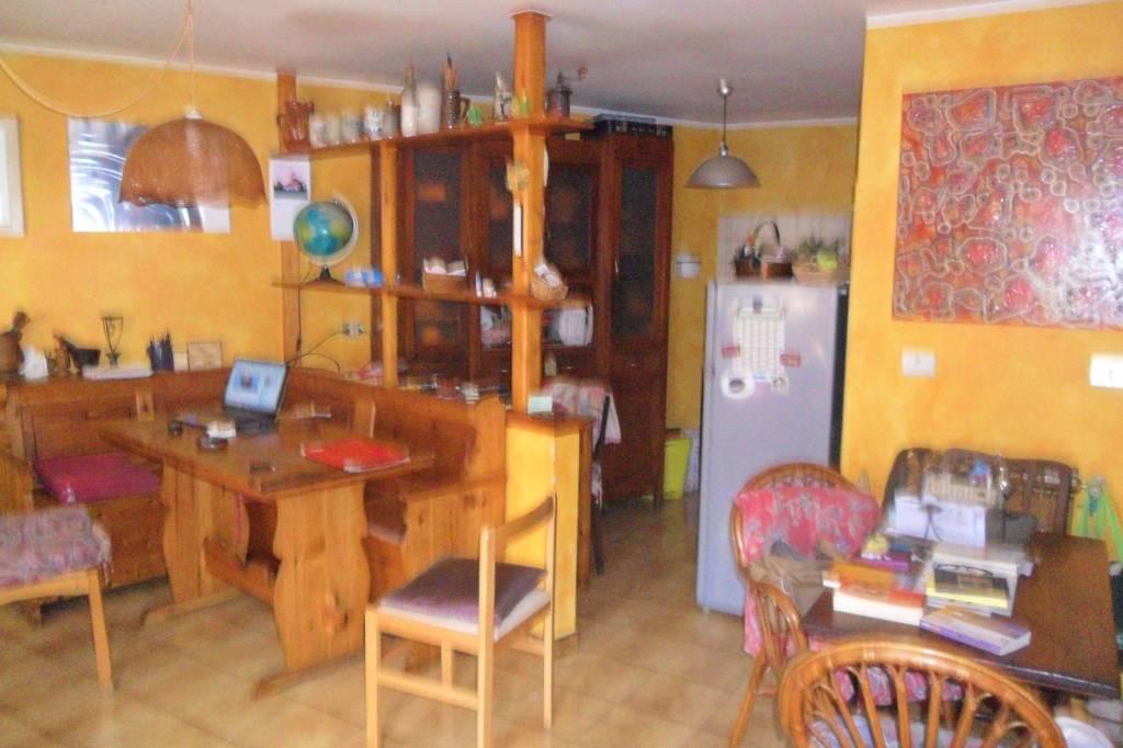 Appartamento in vendita a Montagna in Valtellina, 3 locali, prezzo € 59.000 | CambioCasa.it
