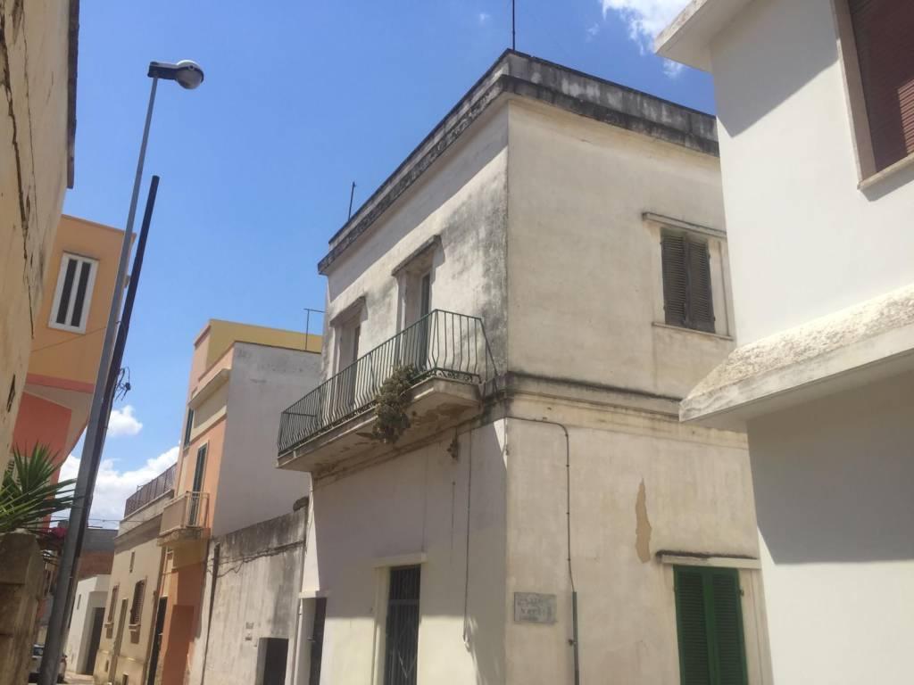 Appartamento in vendita a Matino, 3 locali, prezzo € 38.000 | CambioCasa.it