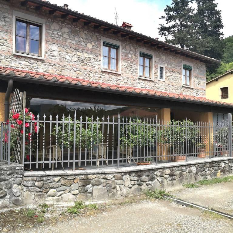 Rustico / Casale in vendita a Vicchio, 6 locali, prezzo € 350.000 | CambioCasa.it