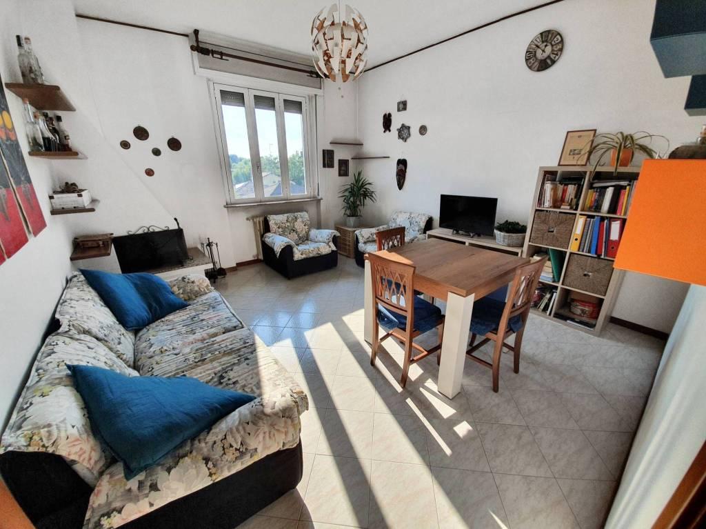 Appartamento in vendita a Saronno, 3 locali, prezzo € 95.000 | CambioCasa.it
