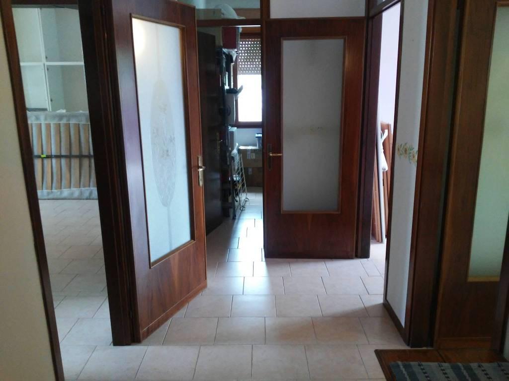 Appartamento in vendita a Conselve, 4 locali, prezzo € 80.000 | CambioCasa.it