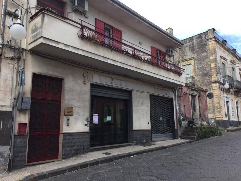 Negozio-locale in Vendita a Giarre Centro: 1 locali, 322 mq
