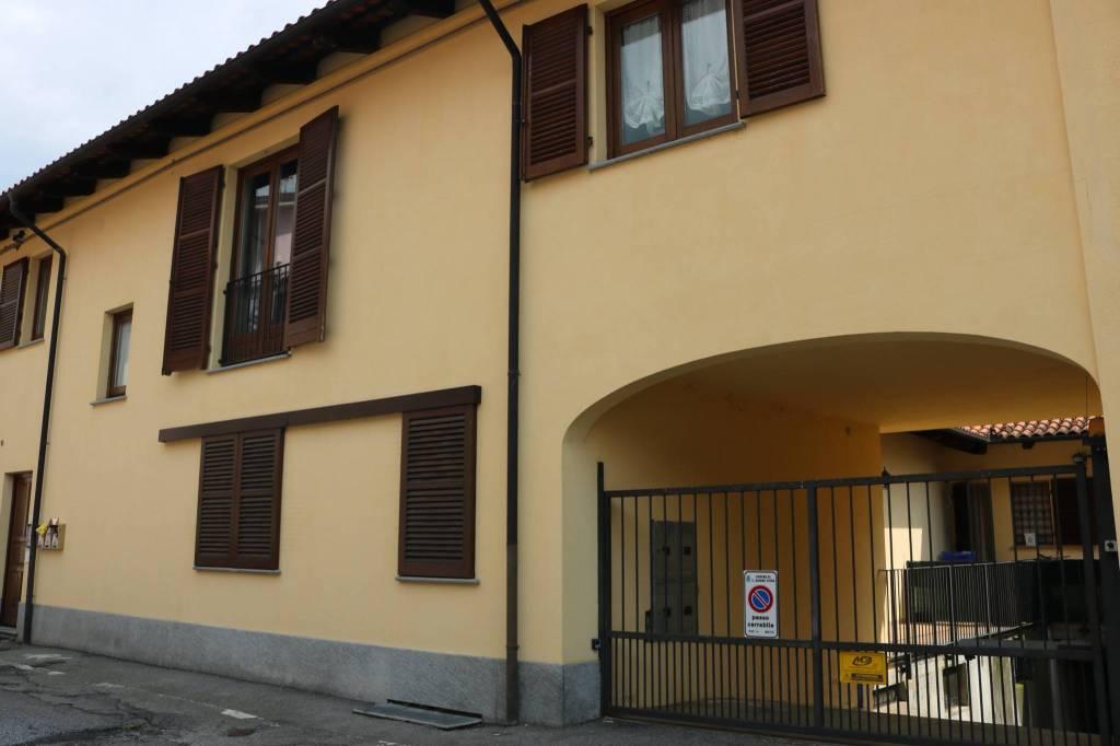 Appartamento in ottime condizioni in affitto Rif. 8244926