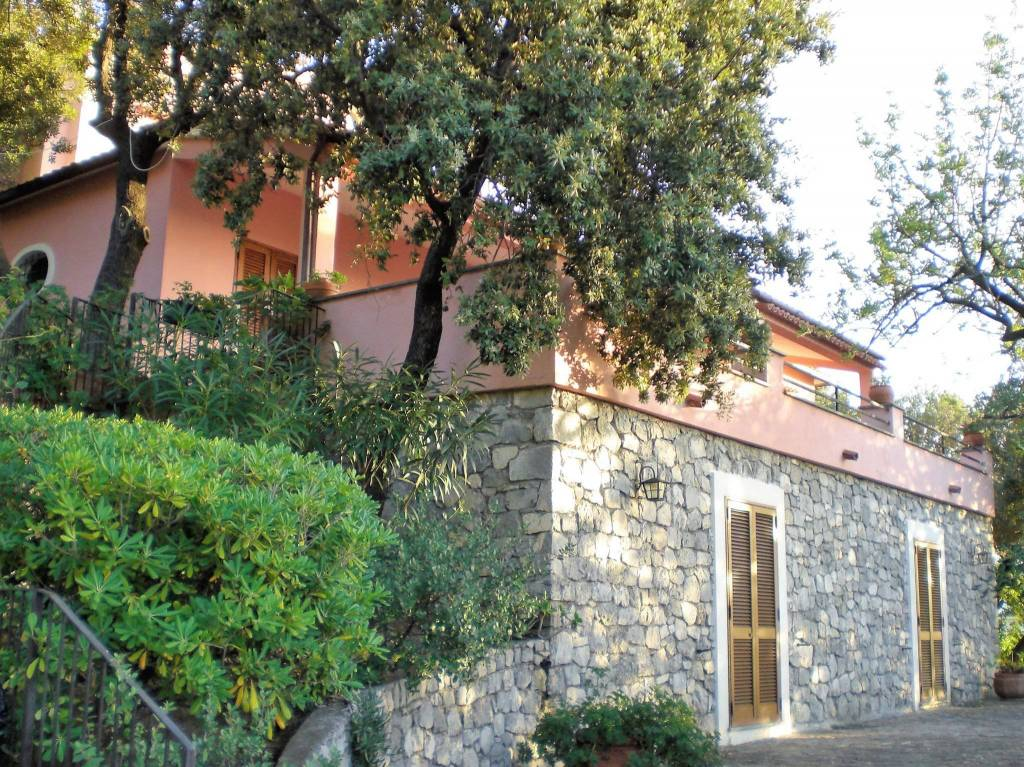 Villa in vendita a Maratea, 9 locali, Trattative riservate | PortaleAgenzieImmobiliari.it