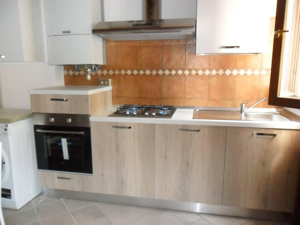 Casa Indipendente in buone condizioni arredato in affitto Rif. 9052266
