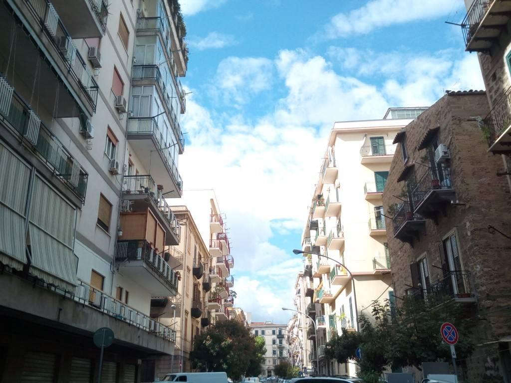 Appartamento in Affitto a Palermo Periferia: 3 locali, 110 mq