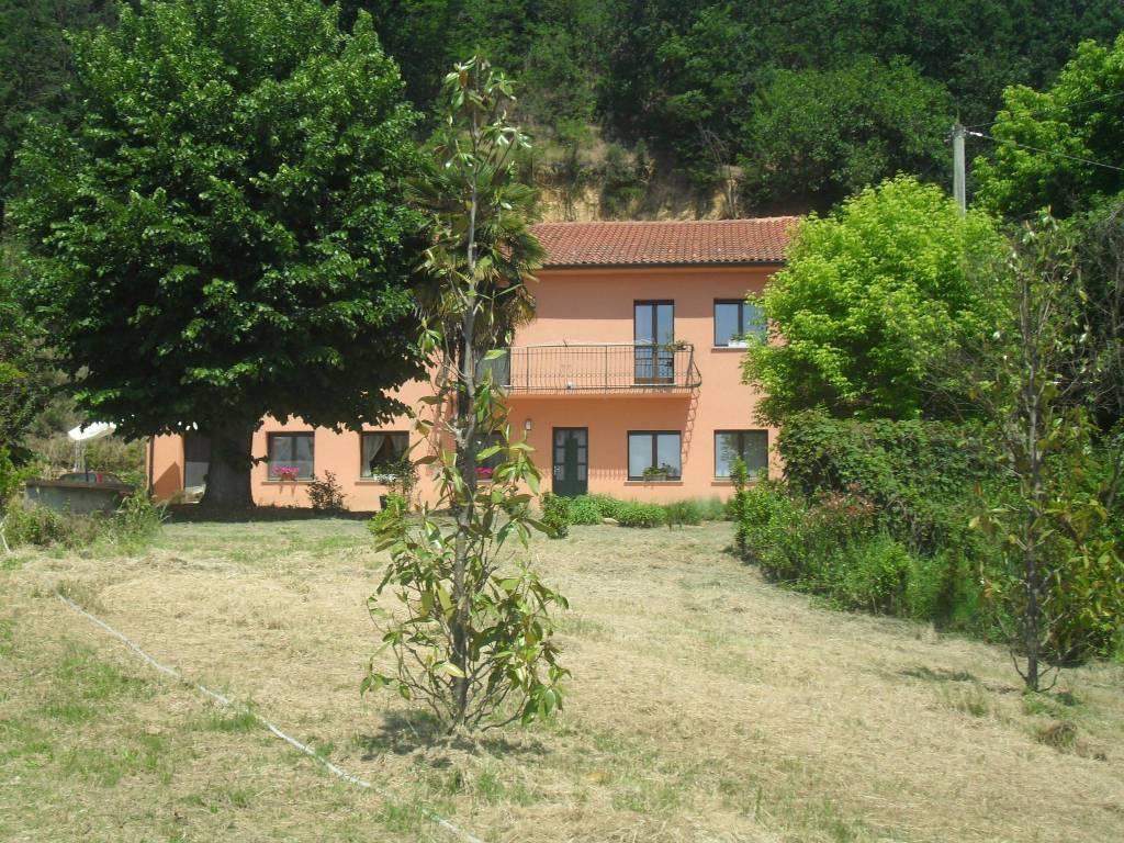 Rustico / Casale in vendita a Refrancore, 7 locali, prezzo € 340.000 | PortaleAgenzieImmobiliari.it