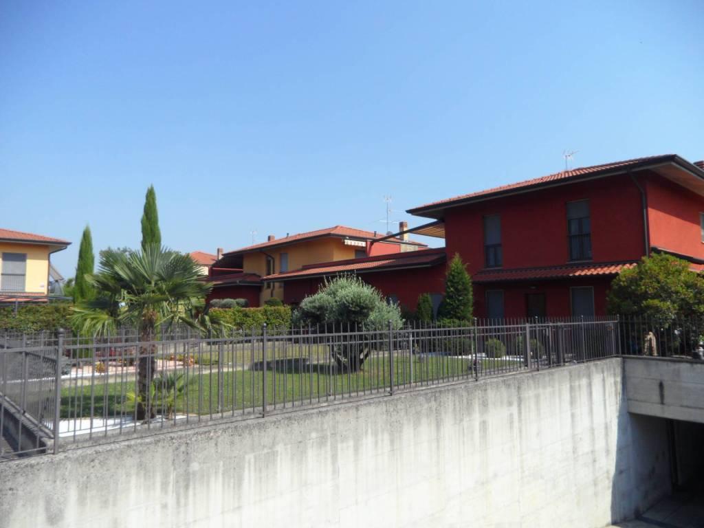 Appartamento in vendita a Bagnatica, 3 locali, prezzo € 235.000   CambioCasa.it