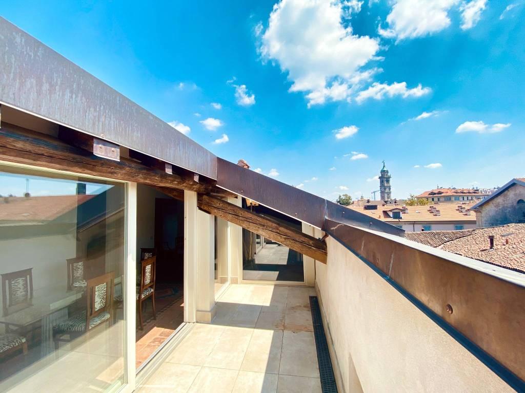 Attico / Mansarda in affitto a Varese, 4 locali, prezzo € 2.000 | CambioCasa.it