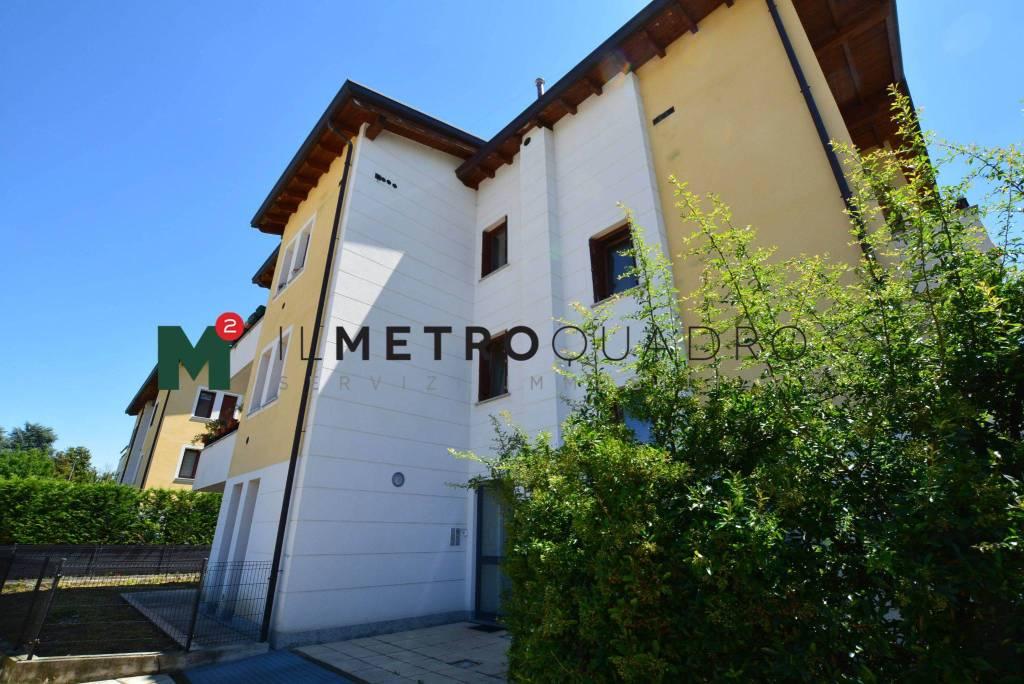 Appartamento in vendita a Giussano, 3 locali, prezzo € 139.000 | CambioCasa.it