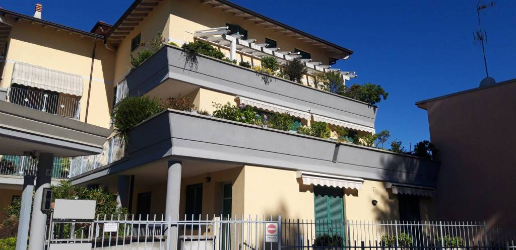 Ufficio / Studio in vendita a Somma Lombardo, 2 locali, prezzo € 60.000 | PortaleAgenzieImmobiliari.it
