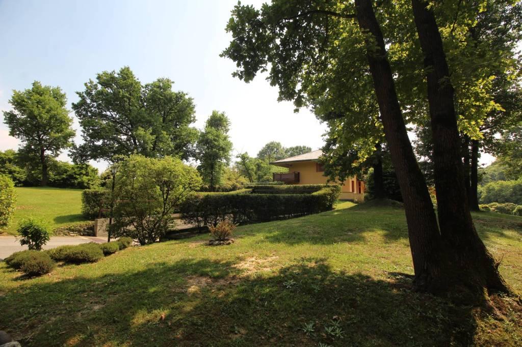Appartamento in buone condizioni arredato in affitto Rif. 8285350