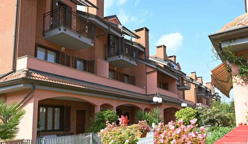 Villa a Schiera in vendita a Venaria Reale, 6 locali, prezzo € 220.000 | CambioCasa.it