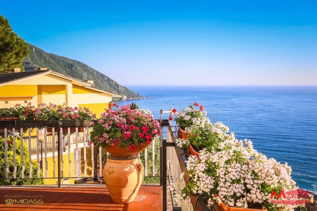 Appartamento in vendita a Camogli, 7 locali, Trattative riservate | CambioCasa.it