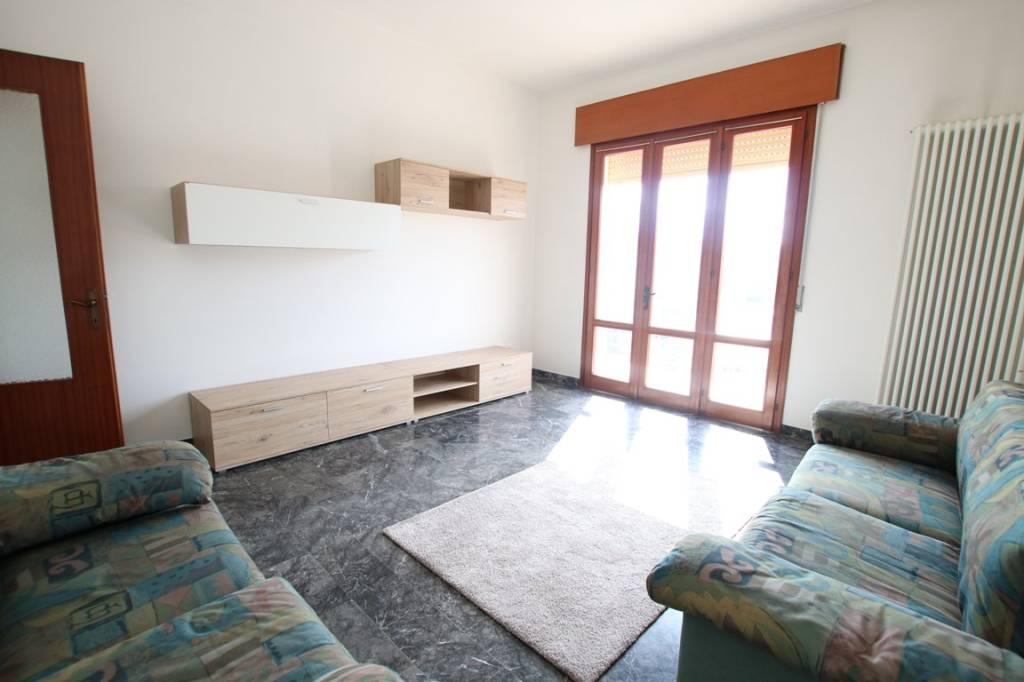 Appartamento in vendita a Vicenza, 4 locali, prezzo € 80.000   CambioCasa.it