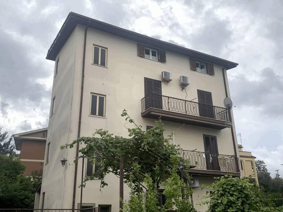 Appartamento in vendita a Castel Gandolfo, 3 locali, prezzo € 159.000 | PortaleAgenzieImmobiliari.it