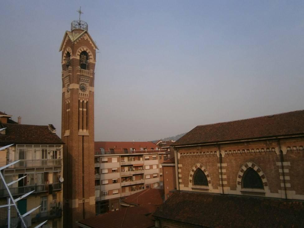 Foto 1 di Trilocale via Nizza 243, Torino (zona Valentino, Italia 61, Nizza Millefonti)