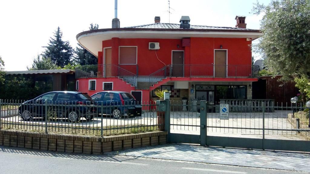 Palazzo / Stabile in vendita a Solza, 6 locali, prezzo € 240.000 | PortaleAgenzieImmobiliari.it