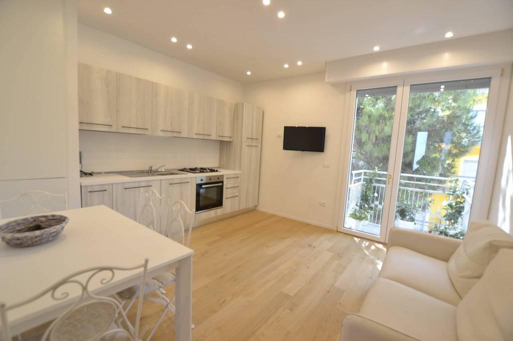 Appartamento in Vendita a Riccione Centro: 3 locali, 60 mq