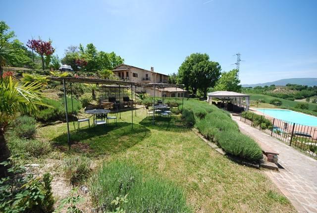 Appartamento in affitto a Spoleto, 3 locali, prezzo € 500 | CambioCasa.it