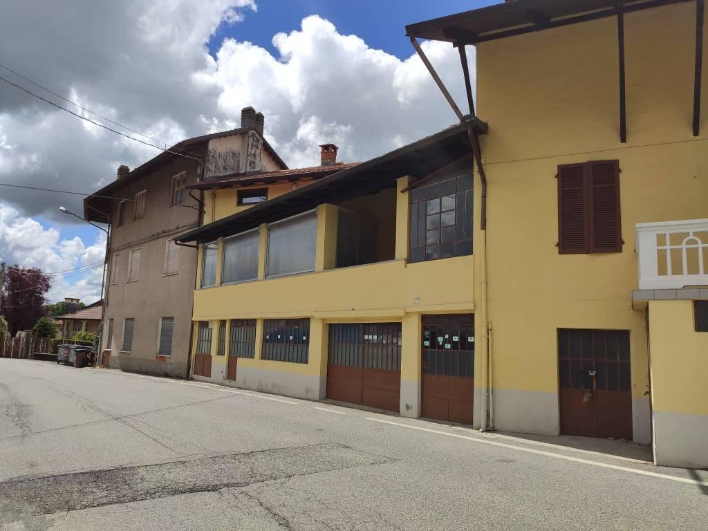 Foto 1 di Quadrilocale viale Giuseppe Copperi 2, Balangero