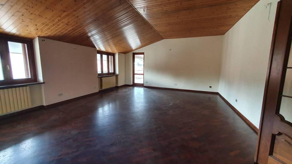 Foto 1 di Appartamento piazza della Chiesa, Bairo