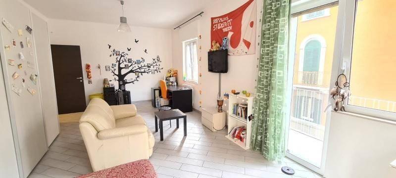 Appartamento in vendita a Bari, 4 locali, prezzo € 190.000 | CambioCasa.it