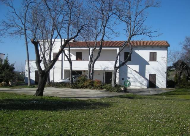 VR090 – Casale di mq. 450 a Città Sant'Angelo (PE)