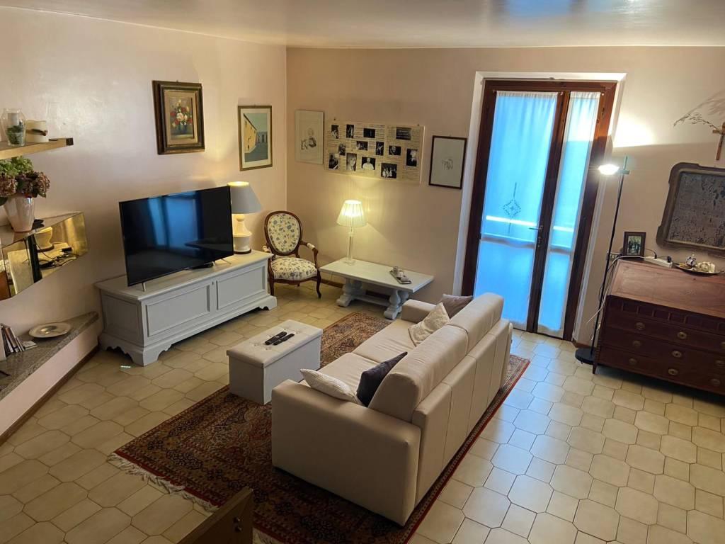 Villetta a schiera in buone condizioni in vendita Rif. 8744372