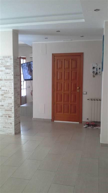 Appartamento in Vendita a Aci Sant'Antonio Centro: 4 locali, 118 mq