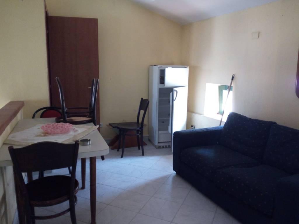 Appartamento in buone condizioni arredato in affitto Rif. 8949014
