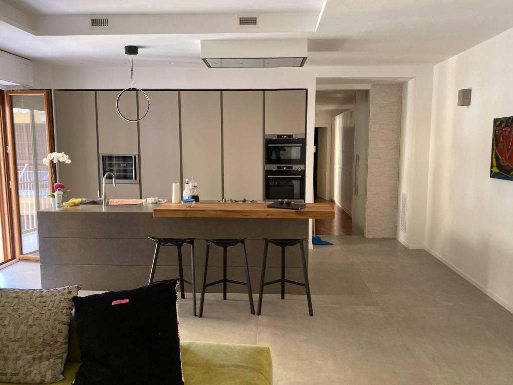Appartamento in vendita a Nocera Inferiore, 3 locali, prezzo € 275.000 | CambioCasa.it