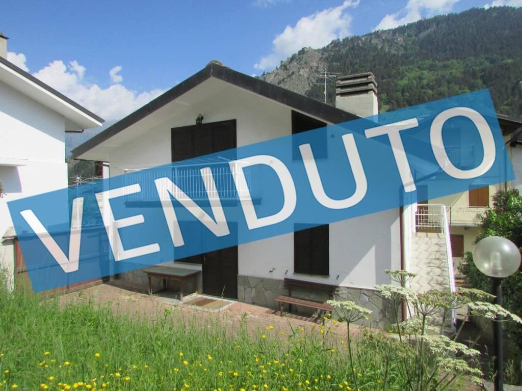 Foto 1 di Casa indipendente Fenestrelle