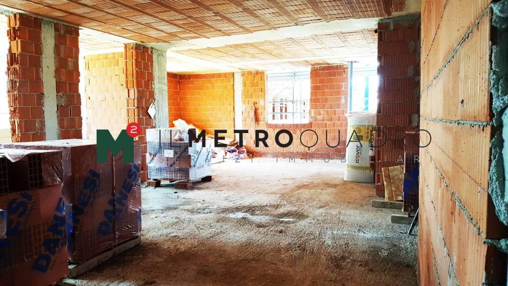 Appartamento in vendita a Macherio, 3 locali, prezzo € 180.000 | CambioCasa.it